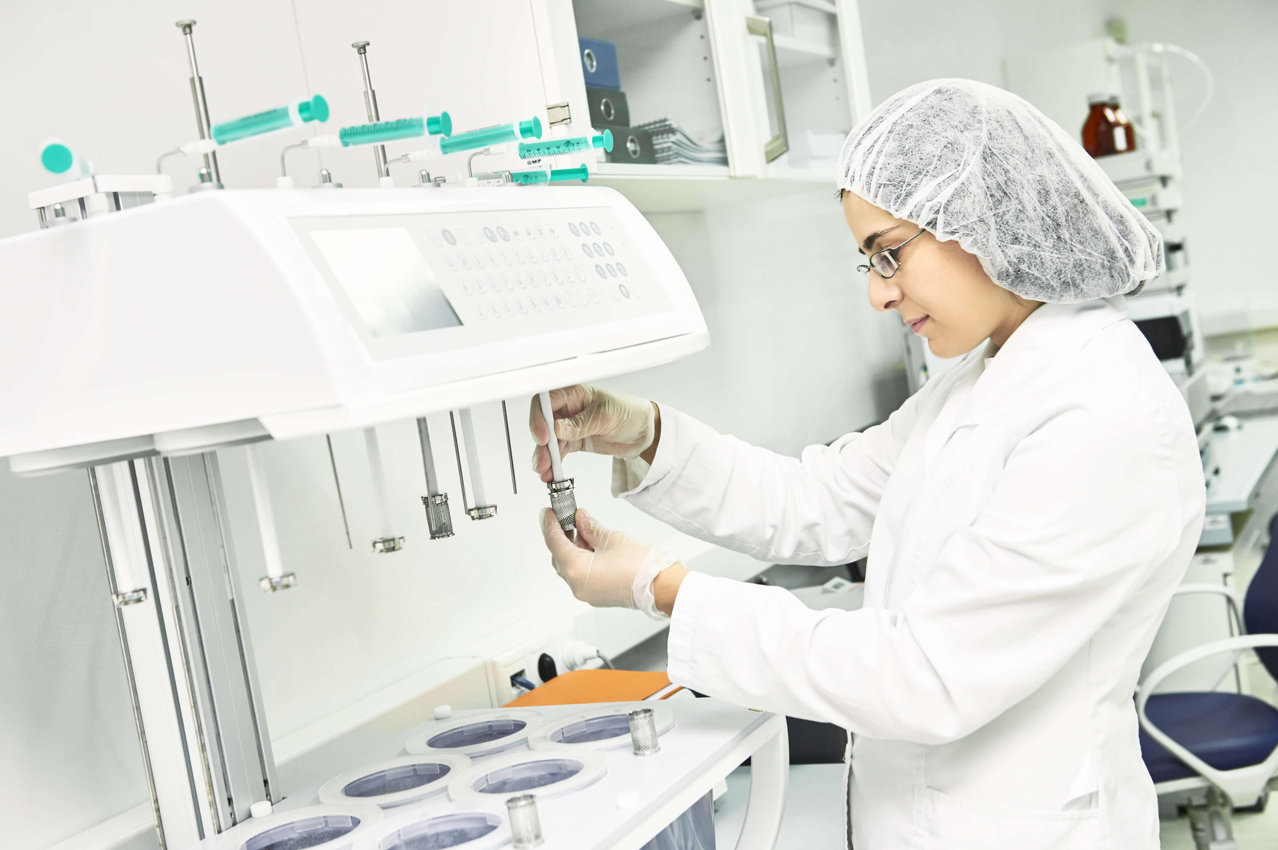 AIT Retains APS Accreditation for Pharmaceutical Sciences Degree